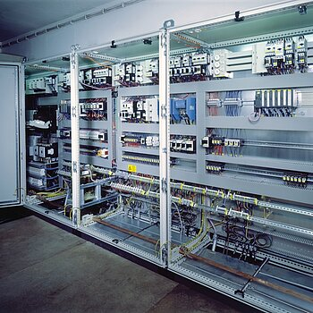 Control and process monitoring for an exhaust air treatment plant