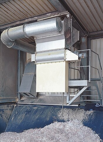 Screening separator for production rejects