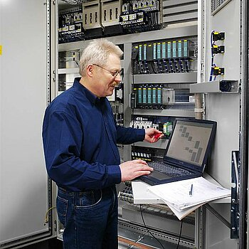 Control and process monitoring for ventilating, heating and air conditioning plant