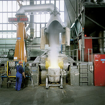 Dust collection from electric smelting furnace